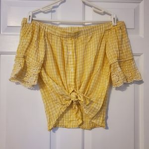 🌠3/$12 or FREE🌠 yellow off shoulder button down
